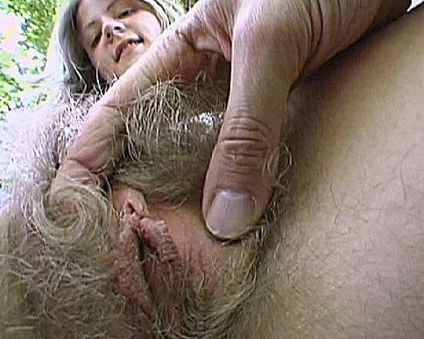 Melissa blondinette de 18 ans