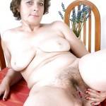 Ghislaine femme au foyer troyenne très poilue