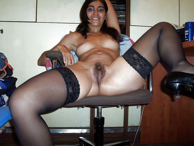 Horny aunty from kolkata shows off her body on camera - 2 part 5