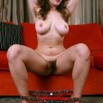 Diva Hispanique à gros seins et grosse motte