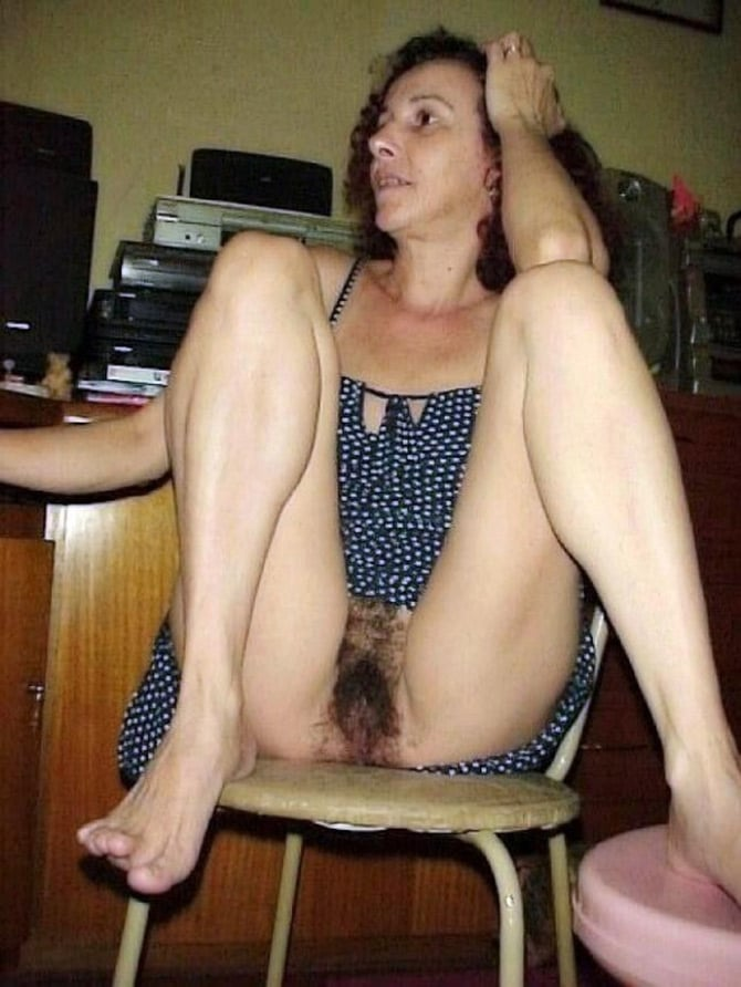 Mature Tits Hairy Pussy
