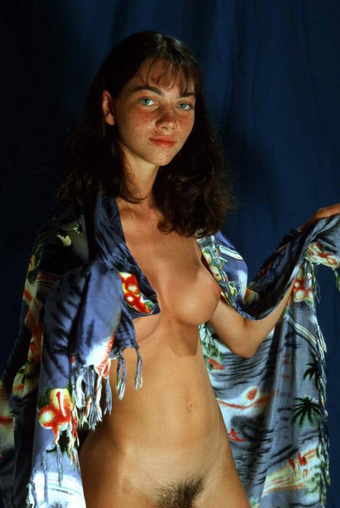 Gaëlle, brunette aux seins parfaits 2