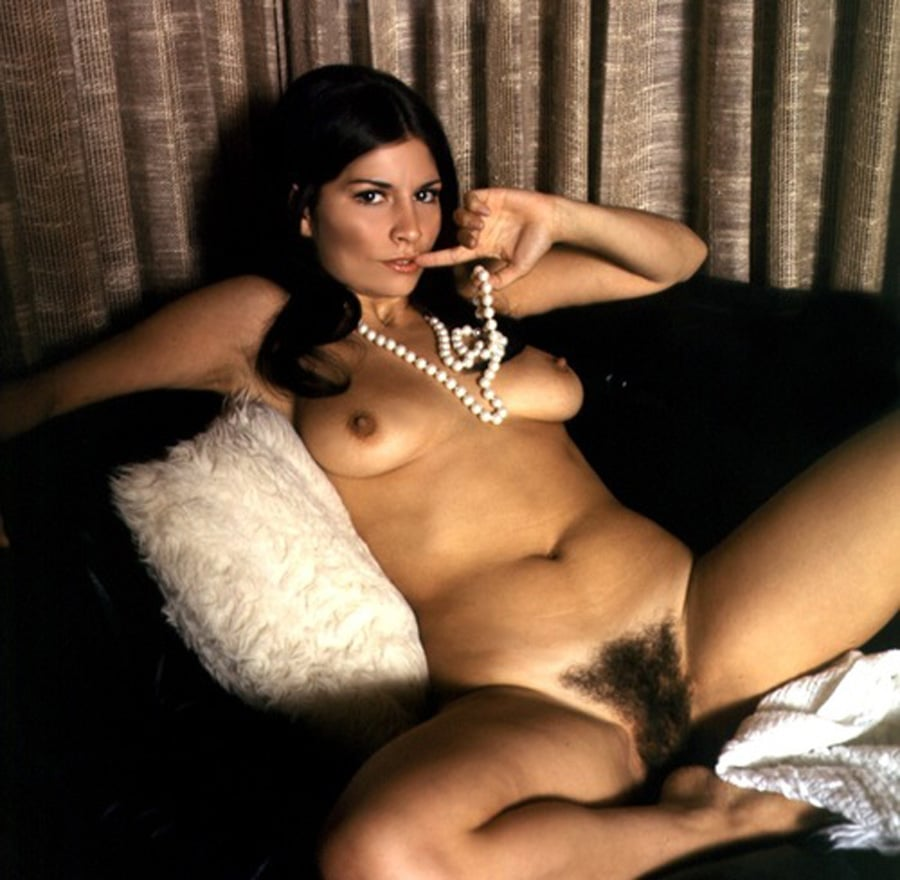Esperanza, Bourgeoise Mure Latine Nue En Mode Vintage -2827
