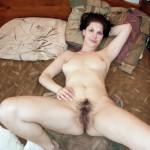 Murielle, femme au foyer au duvet vaginal soft