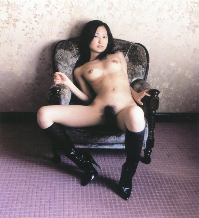 Video porno Jeune chinoise offre sa Chatte poilue STREAMING