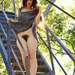 Alizée, teen exhibitionniste dévoile son joli minou