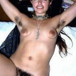 Brésilienne aux seins ridicules et à la forêt vierge impénétrable