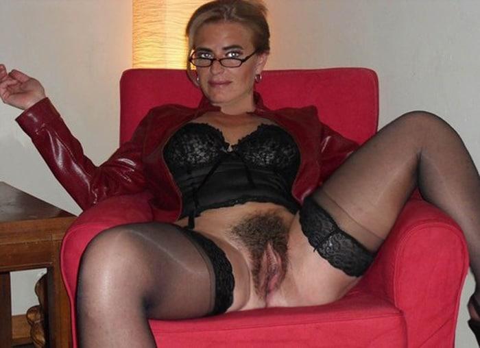 Jeune bourgeoise poilu chez son gyneco 6