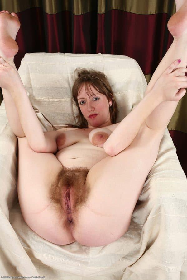 lesbienne jeune vieille pute à la maison