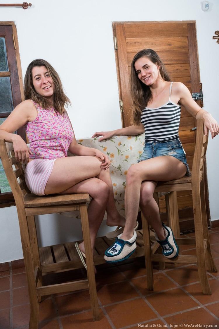 Lesbienne suce chatte-8494