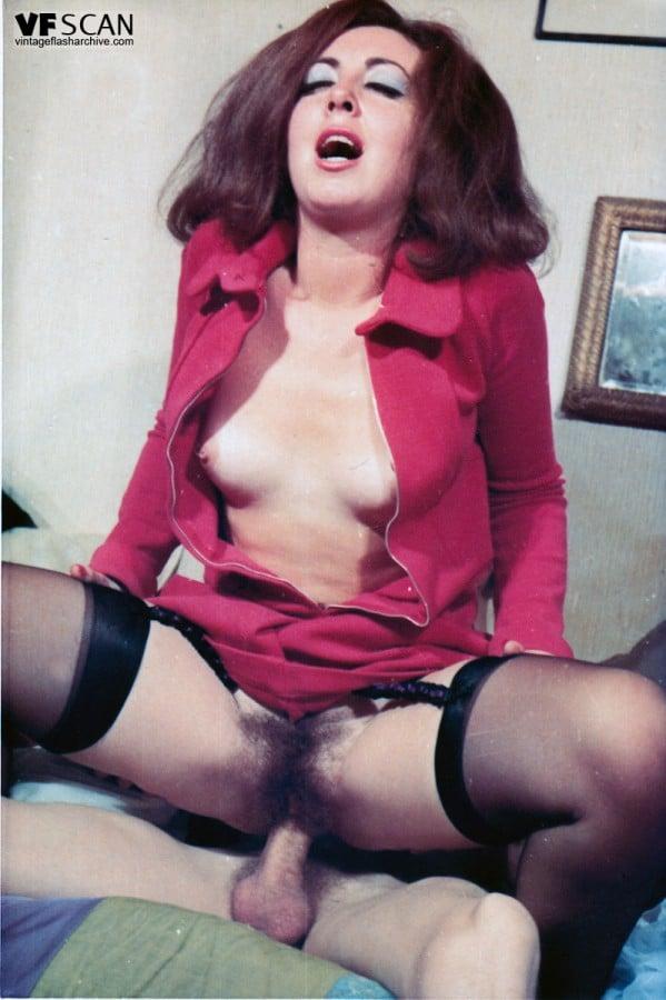 Petites culottes chaudes et mouillees 1982 - 3 7