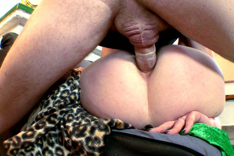 Marion blonde poilue grassouillette enculée 8