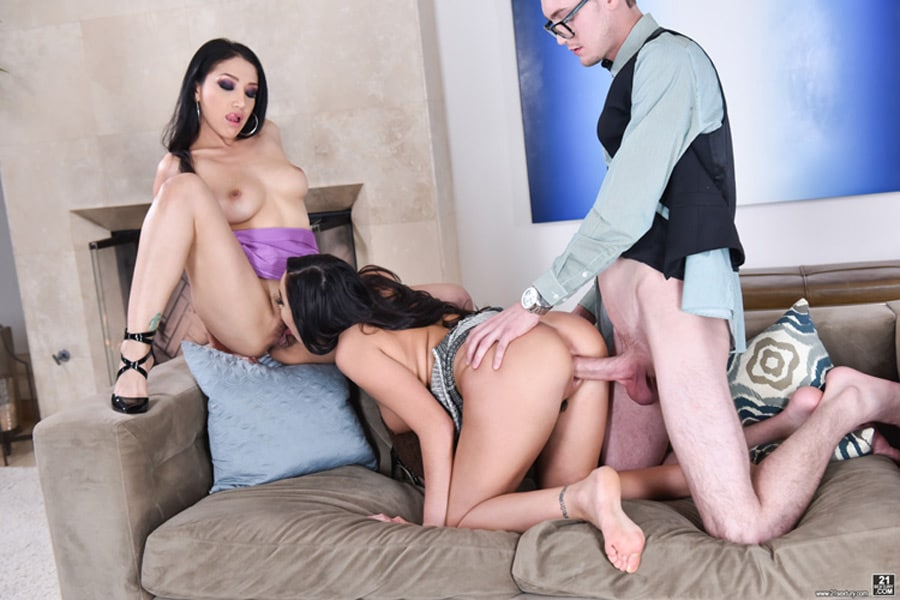 Vicky Chase et Karlee Grey threesome 21sextury 8