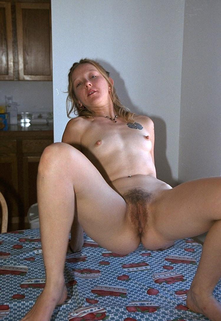 Salope femme de beauf velue 2