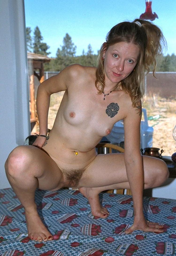 Salope femme de beauf velue 9